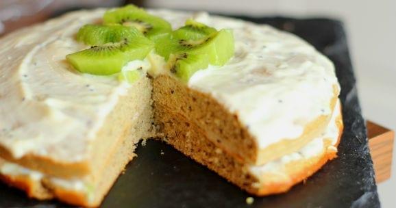Bananen und Kiwi Proteinkuchen