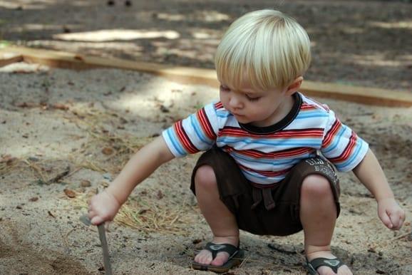 Kniebeugen: Eine natürliche Bewegung - auch für Kinder