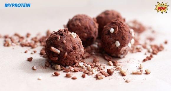 Vanille Protein Trüffel mit Mandel-Zimt