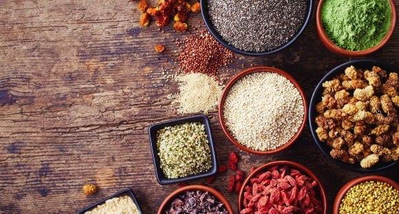 8 gesunde Superfoods, die du in deiner Ernährung haben sollest