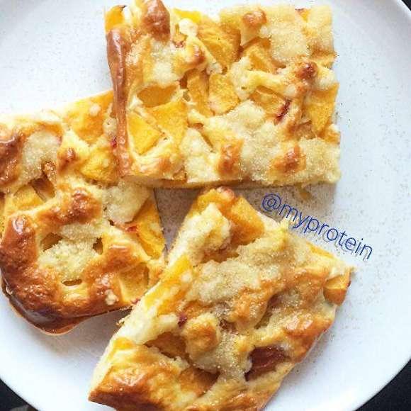 Proteinricher Pfirsich Blechkuchen