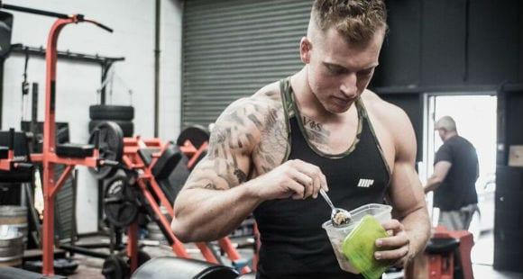 Diät Motivation: 5 Wege um gesund zu essen, wenn andere es nicht tun