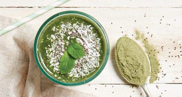 Grüner Smoothie mit Chia & Minze | Gesundes Frühstücks Rezept