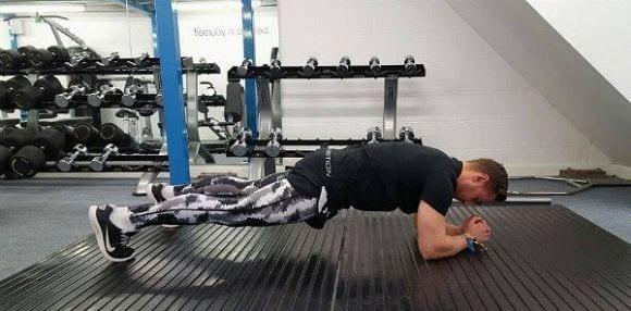 Kraft in der Körpermitte aufbauen