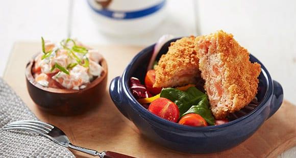Lachs Burger & Süßkartoffelsalat | Gesundes Mittagessen