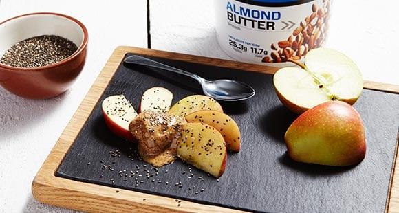 Apfel & Chia Samen Snack mit Mandelbutter | 1 Minuten Rezept