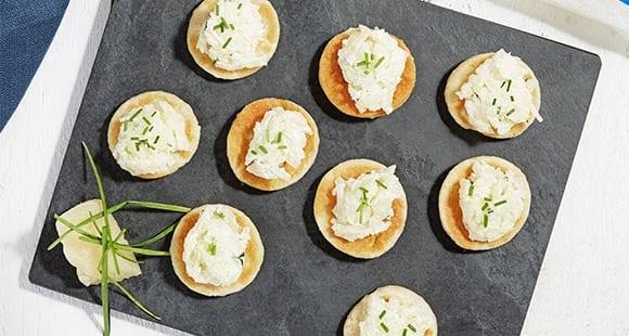 Häppchen mit fettarmen Käse & Schnittlauch | Gesunde Party Snacks