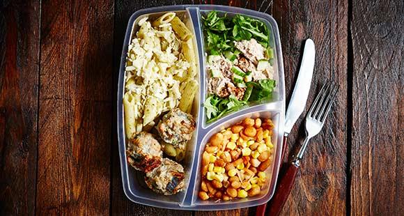 Gesunde Rezepte für den kleinen Geldbeutel | Günstige Meal Prep-Ideen