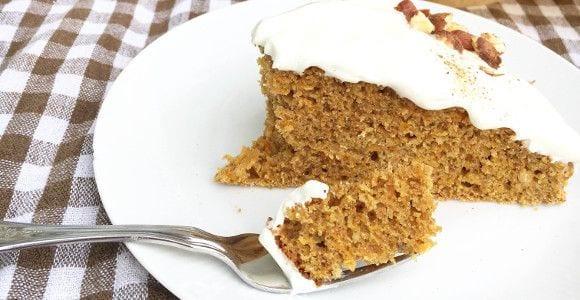Saftiger Vollkorn Karottenkuchen | Fitness Snack