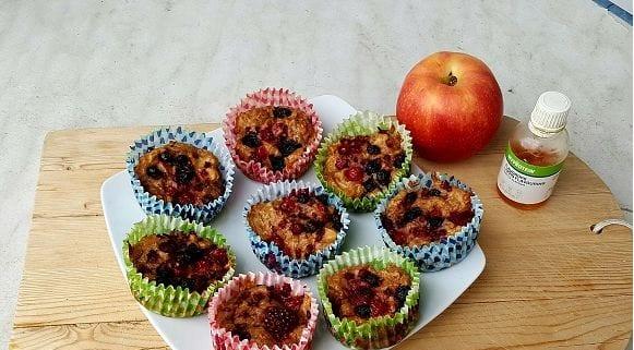Gesundes Muffin Rezept | Apfel Dinkel Muffins mit Beeren und Zimt
