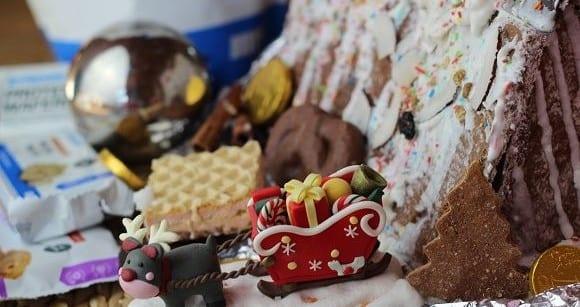 Lebkuchenhaus backen | Myprotein feiert Weihnachten | Videorezept
