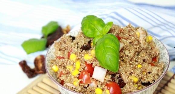 Abnehmen Rezepte | Quinoa Tomaten Salat mit Kräutern