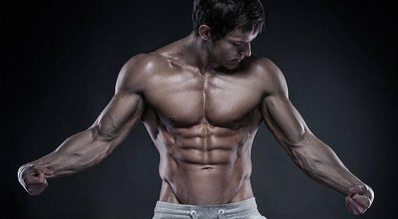 Massive Schultern | 6 Pflichtübungen, die in deinem Plan nicht fehlen sollten