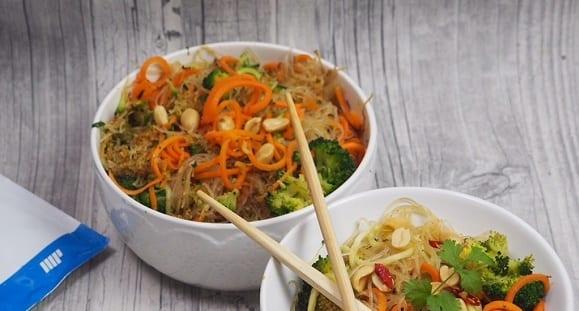 Vegan Kochen |  Gesunder Glasnudelsalat | Asien-Style