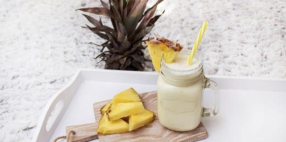 Smoothie Rezept | Karibischer Ananas-Kokos Smoothie – Gesund & Lecker