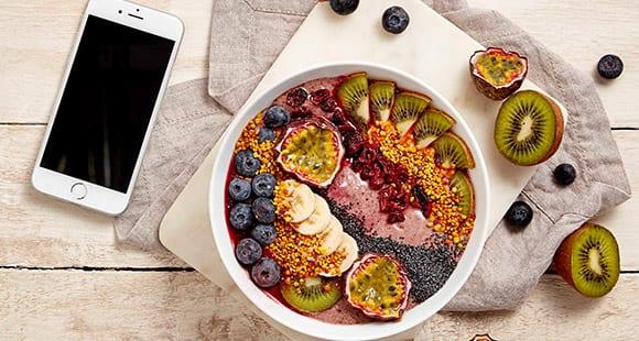 Acai Smoothie Bowl | Ein gesundes Frühstück mit vielen Vitaminen