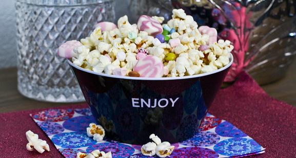 Kunterbuntes Partypopcorn | Leckeres Popcorn Rezept