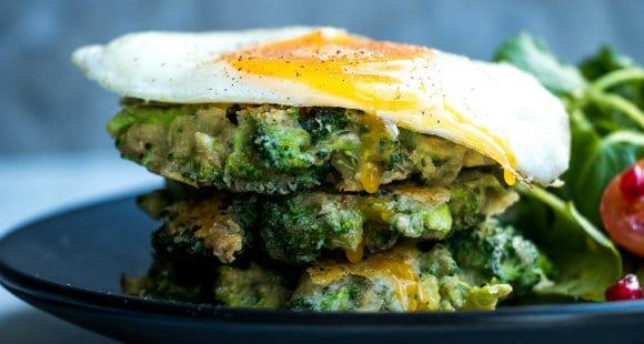 Fettarme Brokkoli Puffer | Eine gesunde Mahlzeit für Dich