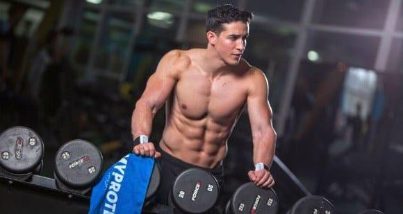 Sichtbare Bauchmuskeln durch richtige Ernährung
