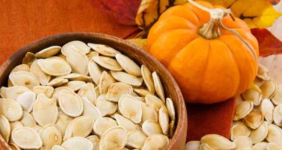 Warum du nicht nur im Herbst Kürbiskerne essen sollst hero