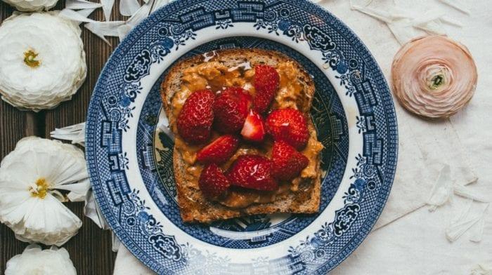 Ist Erdnussbutter gesund? | 5 Vorteile warum auch du Erdnussbutter essen solltest