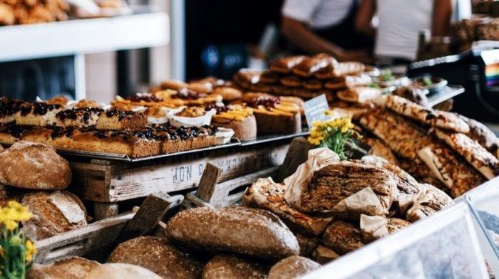 Proteinreiche Pizzabrötchen mit Quarkteig | Gesunde Mahlzeit