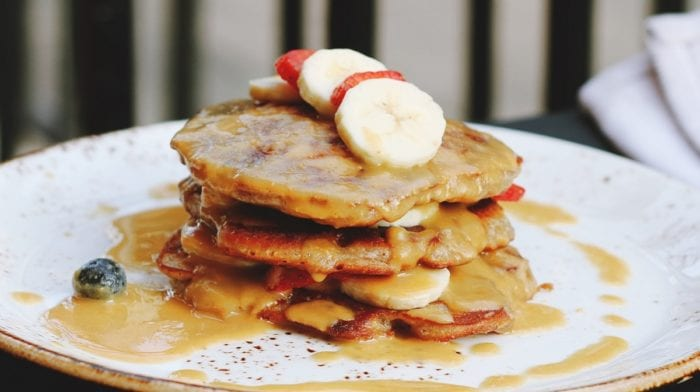 Protein Pfannkuchen | Bananen Erdnussbutter Pancake Rezept