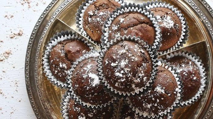 Schokoladen Beeren Cupcakes  | High Protein Snack