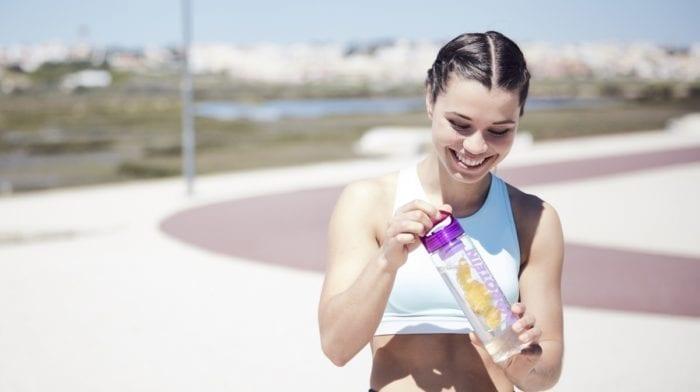 Dehydration Symptome | Vorteile einer höheren Wasserzufuhr