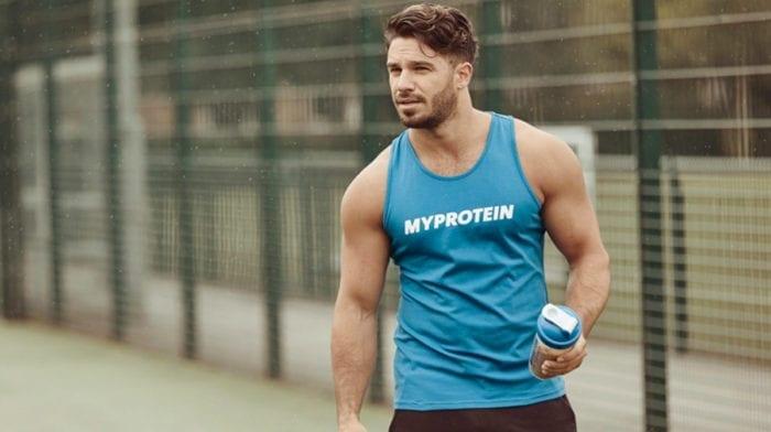 Protein der richtige Zeitpunkt | Solltest du vor oder nach deinem Training einen Shake trinken?