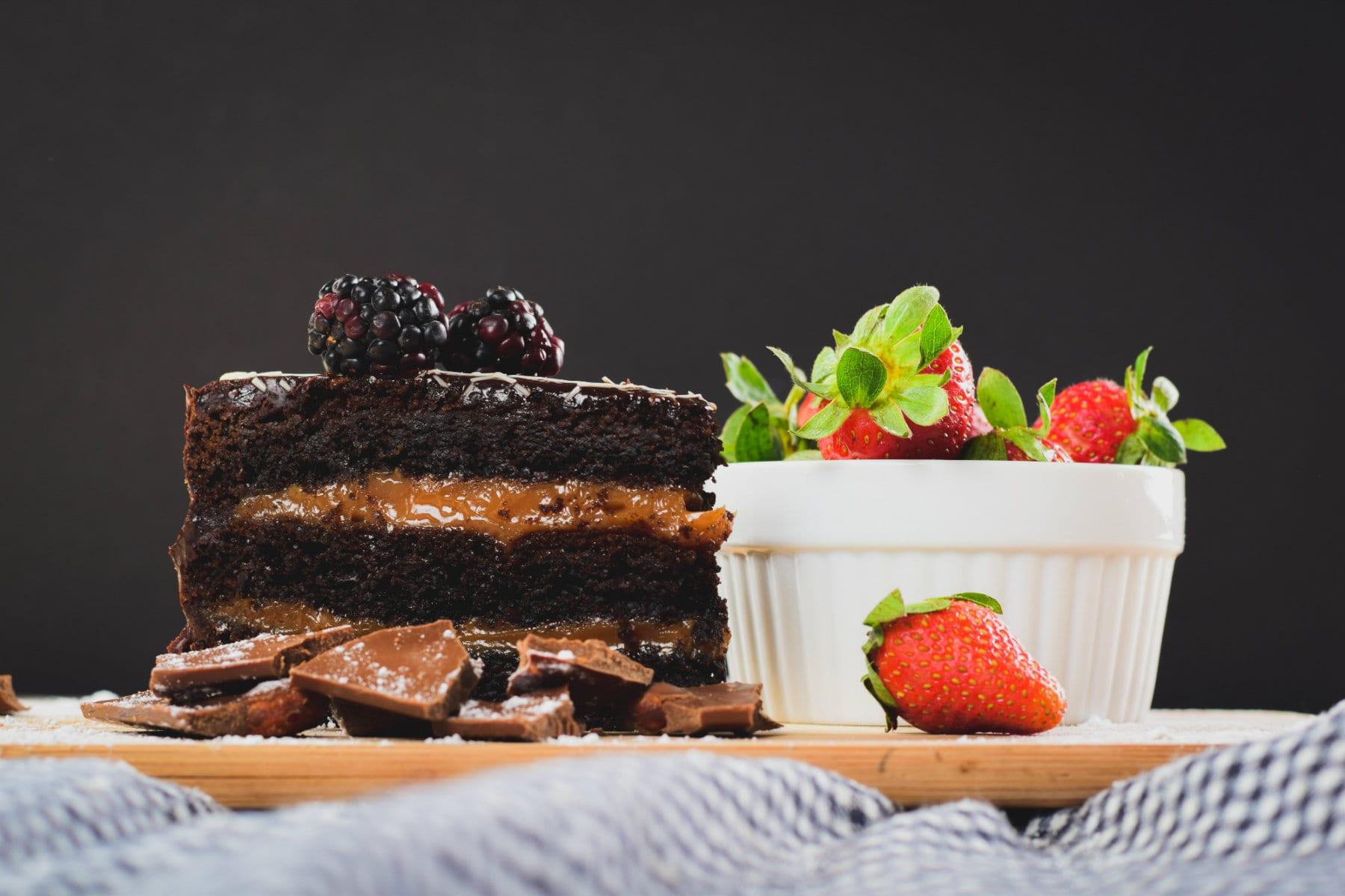 Proteinkuchen Rezept | Triple Chocolate Peanut Butter Cake