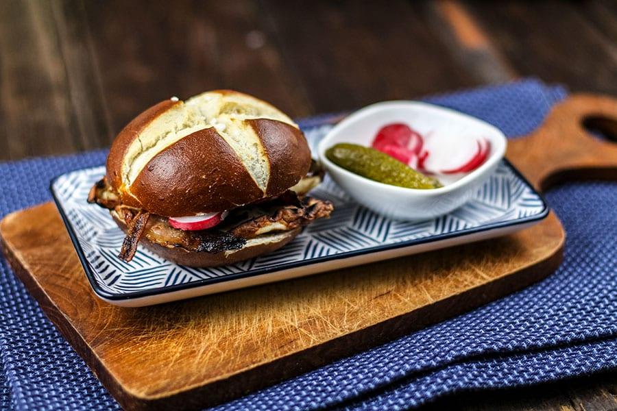 Laugenburger mit Bacon   Post-Workout Mahlzeit