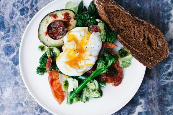 Muskelaufbau: Ganze Eier sind effektiver als Eiklar - sagt Studie