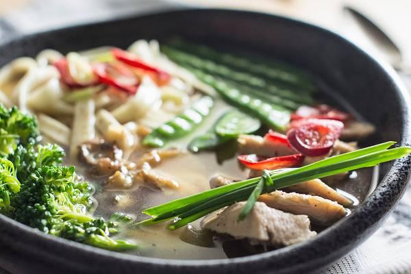 Die Suppendiät: Was ist das? | Vorteile, Nebenwirkungen & Rezepte