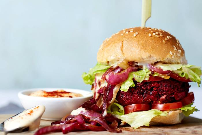 15 Minuten Rote Beete BBQ Burger | Rote Beete Burger Rezept