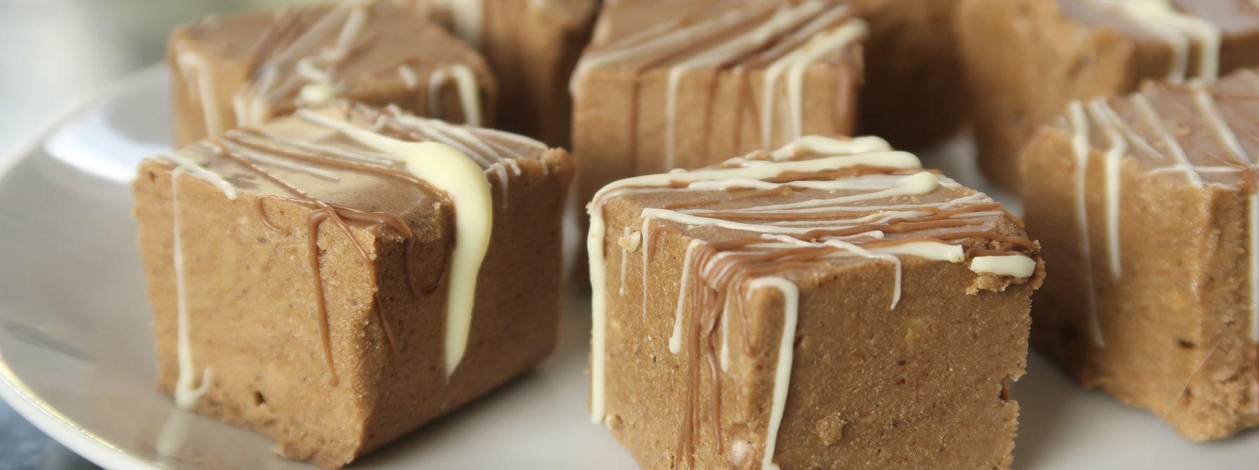 Gesundes Schokoladen Fudge Rezept | Zuckerarm & Proteinreich