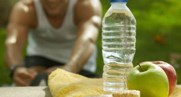 perder peso bebiendo agua
