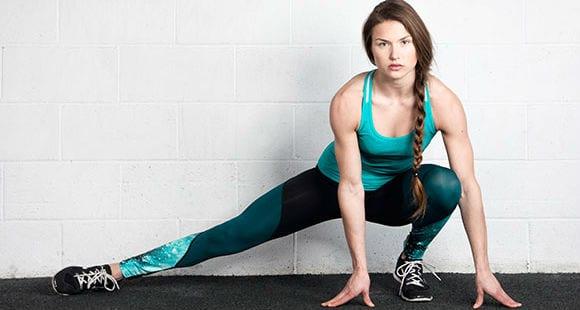 6 ejercicios con pesas para isquiotibiales, cuádriceps y glúteos | Rutina de piernas para mujeres