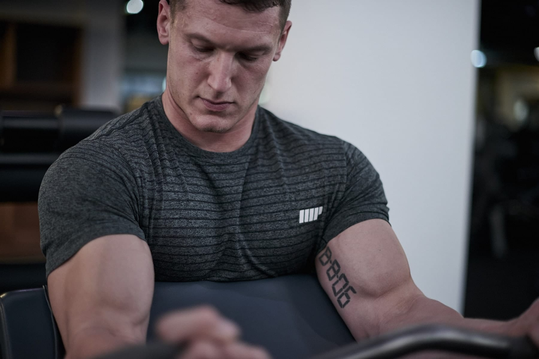 Los 5 Mejores Ejercicios para Bíceps