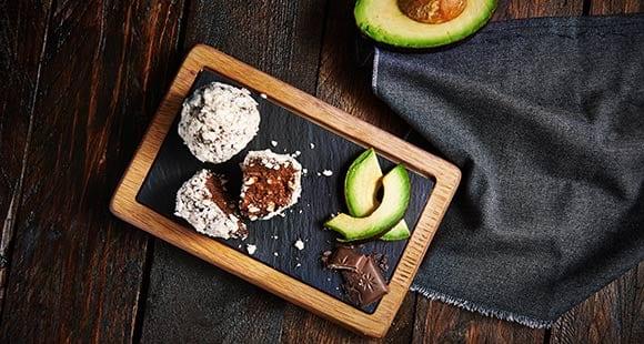 Caprichos saludables | Trufas de aguacate sin gluten