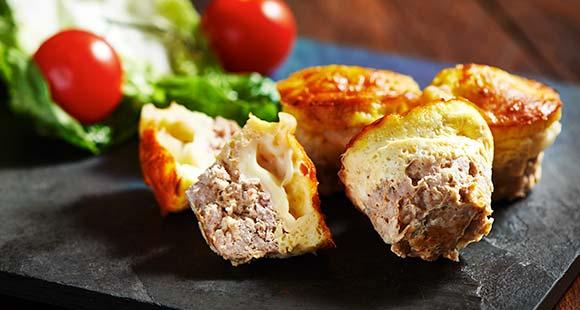 Recetas saludables | Magdalenas proteicas de hamburguesa con queso