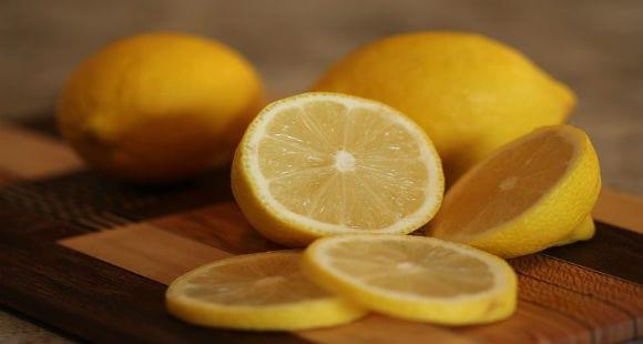 5 Beneficios del Zumo de Limón en ayunas
