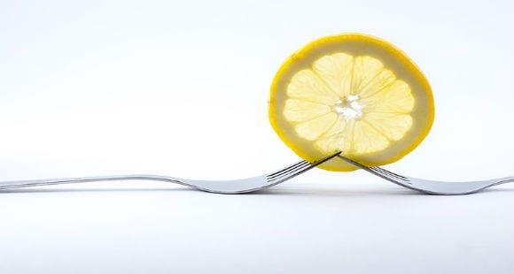 Dieta del limón | ¿Sirve tomar agua con limón en ayunas?