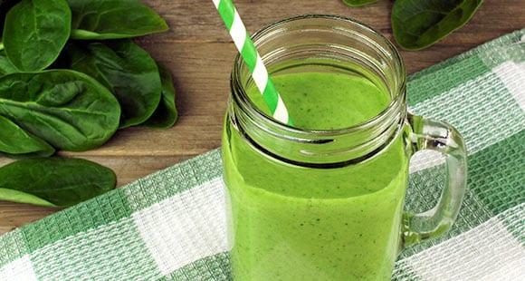 Receta de batido verde proteico para ponerte como Hulk