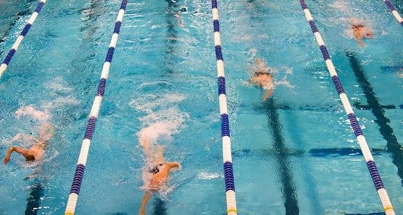 6 beneficios de la natación para la recuperación muscular