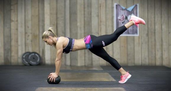 mujer entrenar