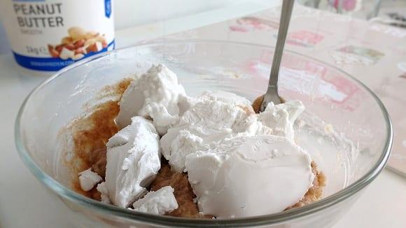 Tarta vegana con crema de coco
