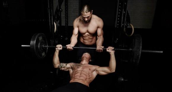 5 Beneficios de Entrenar con Pesas para tu Cuerpo