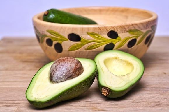 beneficios del aceite de aguacate en la dieta