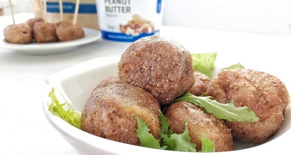 Bolitas de Pollo con Mantequilla de Cacahuete